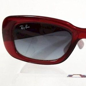 Authentic Women's Ray-Ban Red Sunglasses w' Case